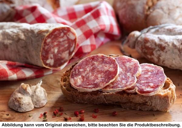 luftgetrocknete Salami vom Strohschwein geschnitten